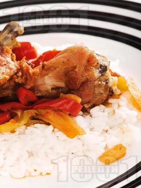 Вкусно пиле на порции със задушени зеленчуци (тиквички, патладжани, чушки) и ориз на фурна - снимка на рецептата